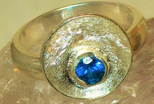 Königsblauer Apatit Silberring