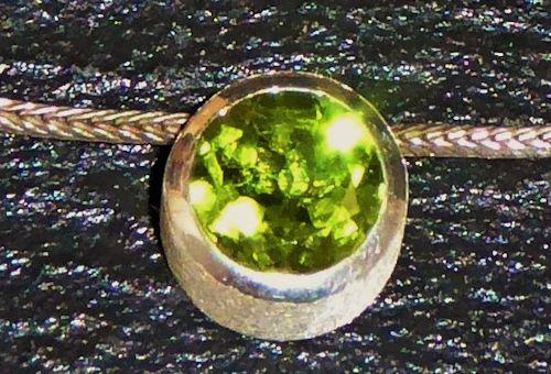 Rarität: Kashmir - Peridot, Silberanhänger (Gleiter)